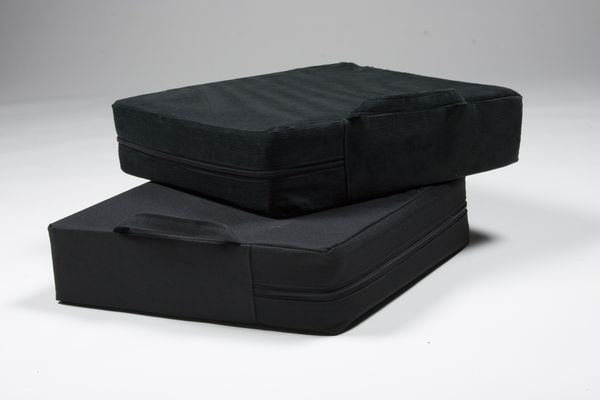 660119M Booster cushion 10cm 40 x 40 plastic-coated polyester